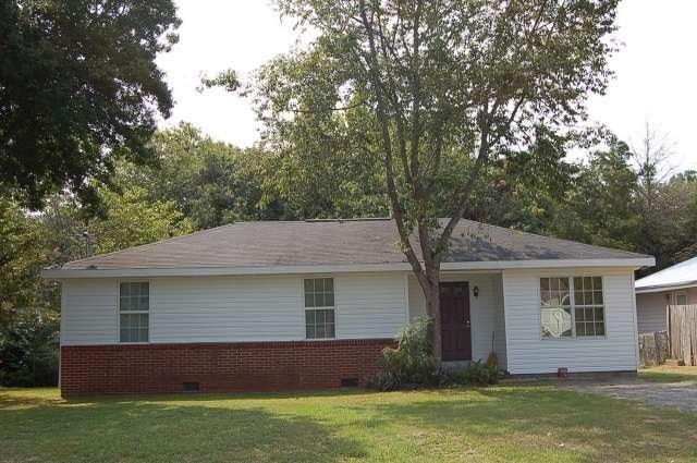 411 Kingsbury, Warner Robins, GA 31088