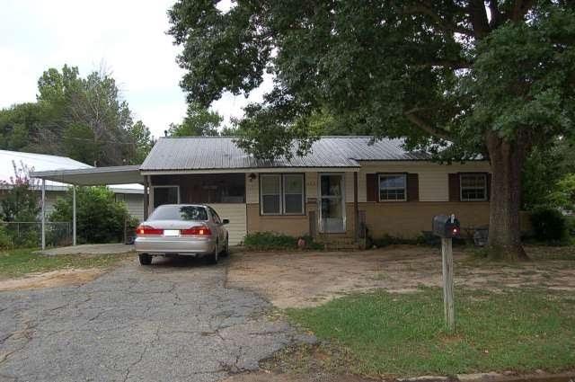 407 Kingsbury, Warner Robins, GA 31088