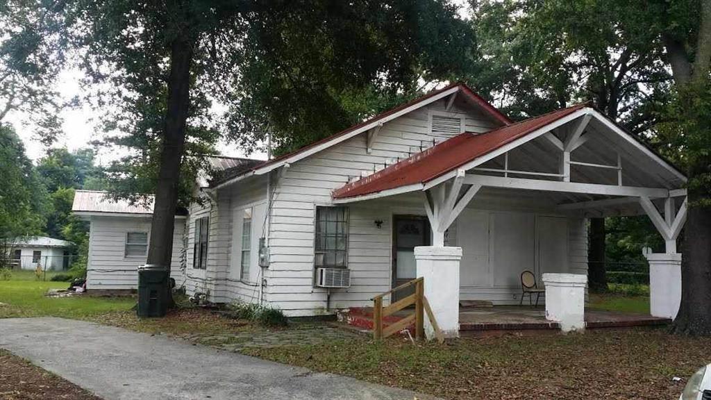 207 Carver Drive, Fort Valley, GA 31030