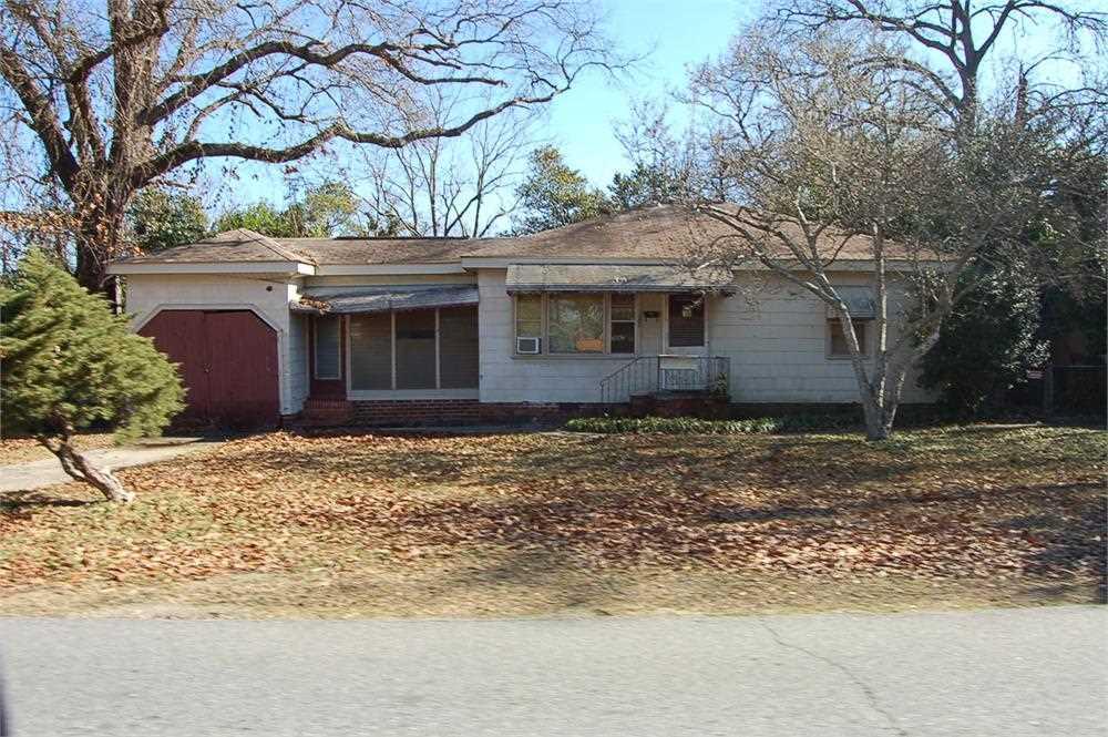 208 N Sixth, Warner Robins, GA 31093