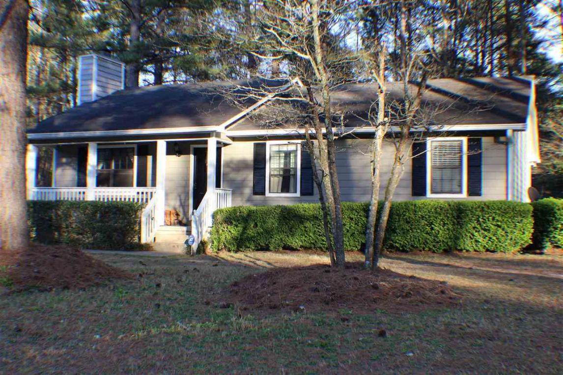 1372 Greentree, Macon, GA 31220