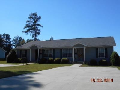 Photo of 104 S Montrose Street, Fort Valley, GA 31030