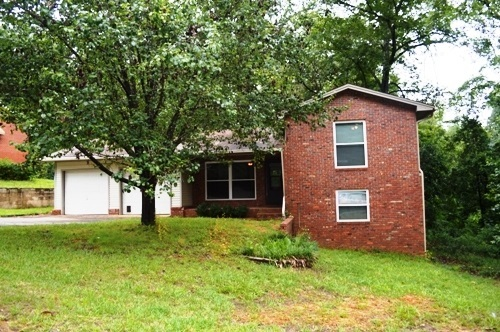 108 Woodsdale, Warner Robins, GA 31088
