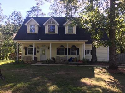 Photo of 401 Deerwood Circle, Fort Valley, GA 31030