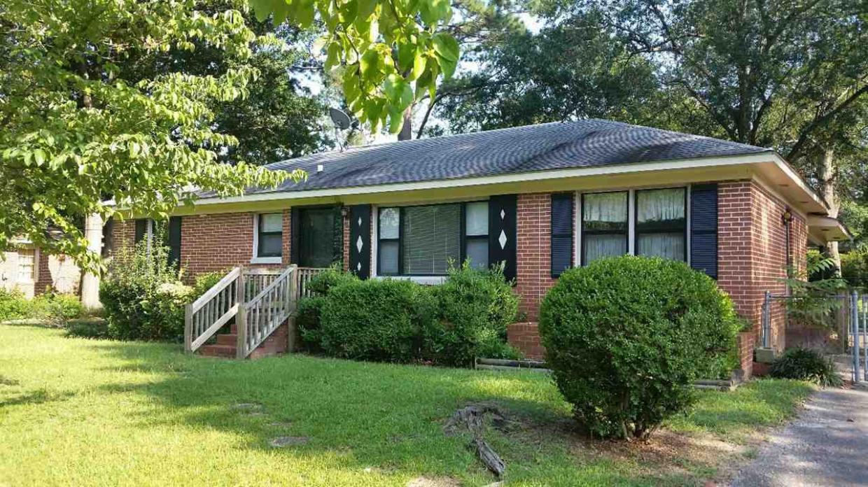 721 Oakview, Warner Robins, GA 31093