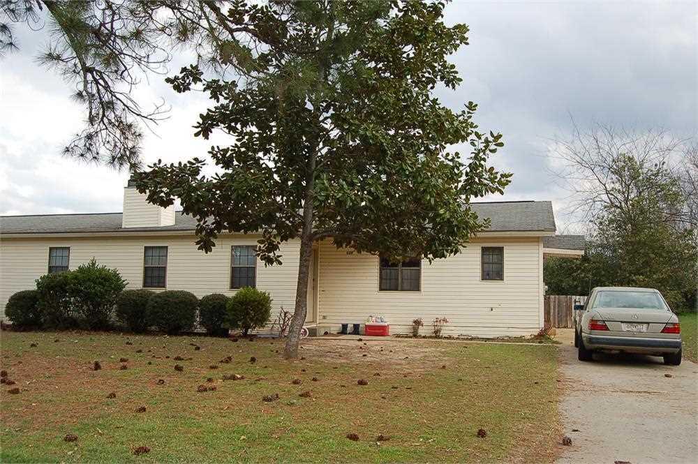 628 Maplewood, Bonaire, GA 31005
