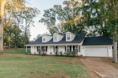 Photo of 207 Gleneagle, Byron, GA 31008