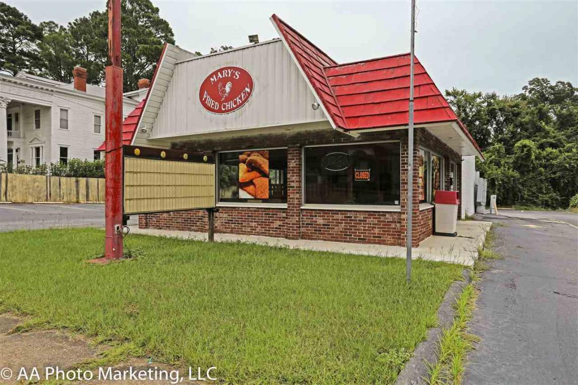 212 N Dooly Street, Montezuma, GA 31063