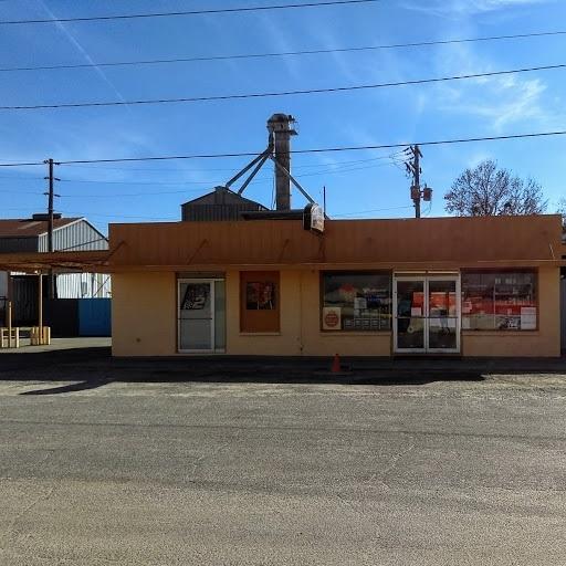 44 First, Hawkinsville, GA 31036