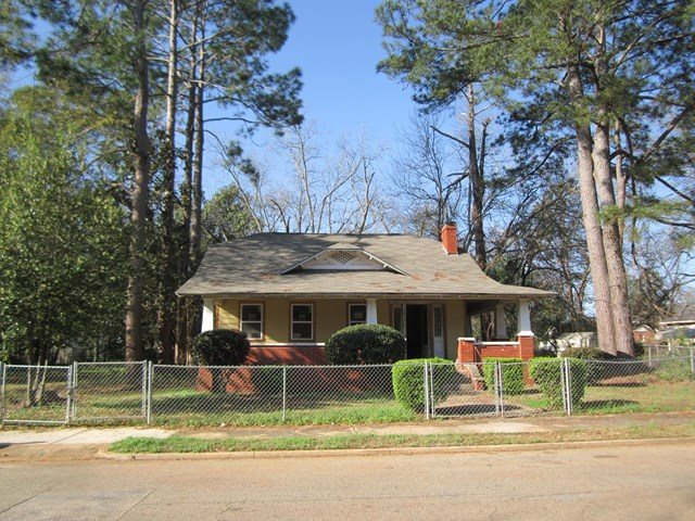 202 Calhoun St., Fort Valley, GA 31030