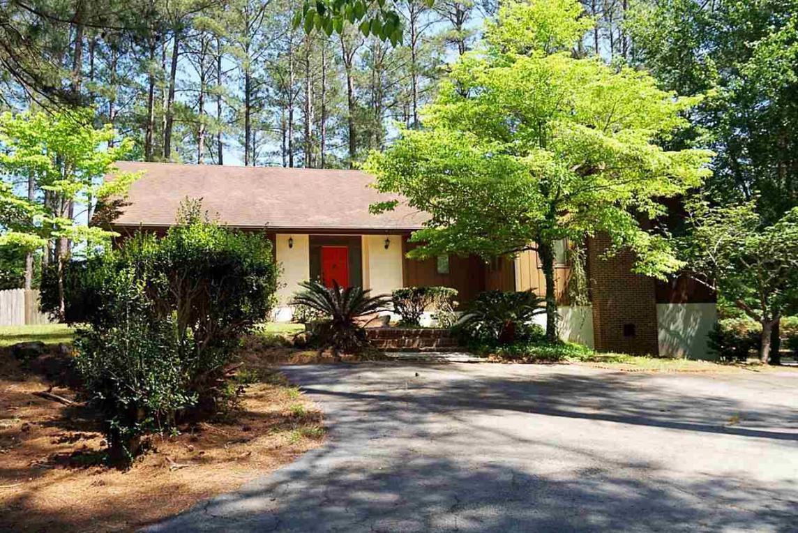 71 Mansfield Dr., Hawkinsville, GA 31036