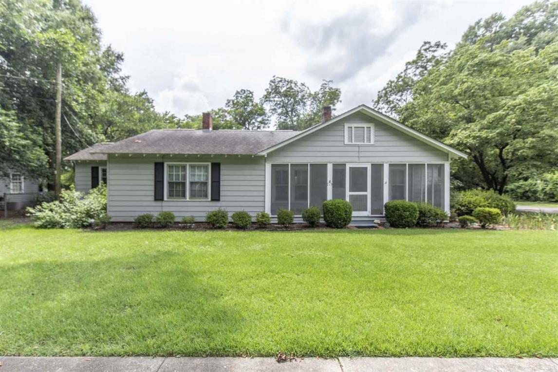 713 Washington, Perry, GA 31069
