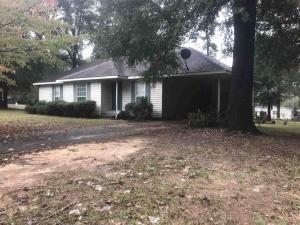426 N Lake, Perry, GA 31069