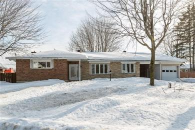 659 Theriault Street, Hawkesbury, Ontario K6A1Z5