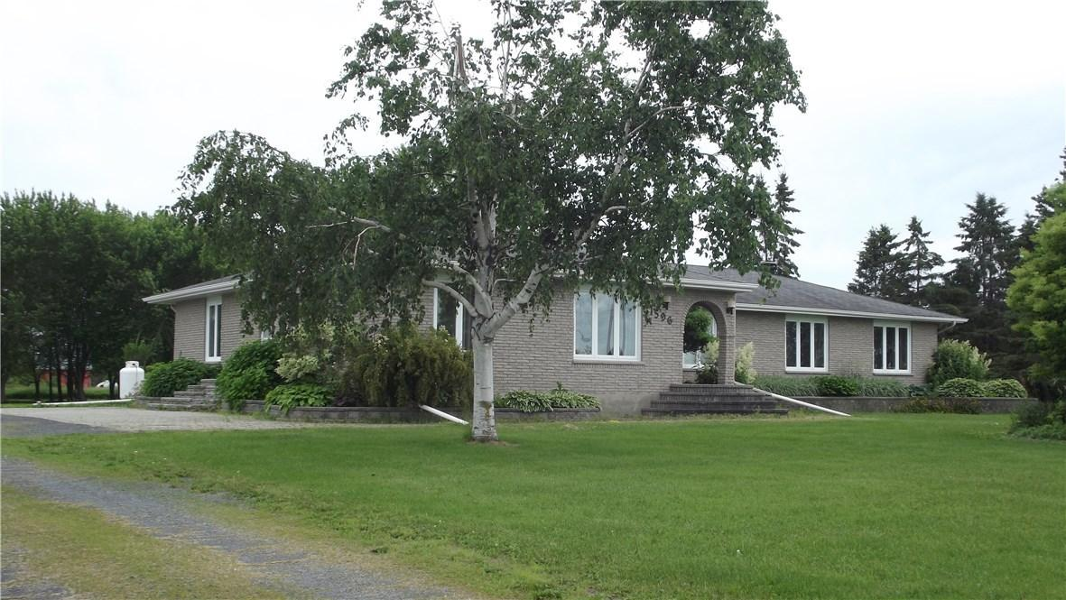 1596 Route 400 Road E, Embrun, Ontario K0A1W0
