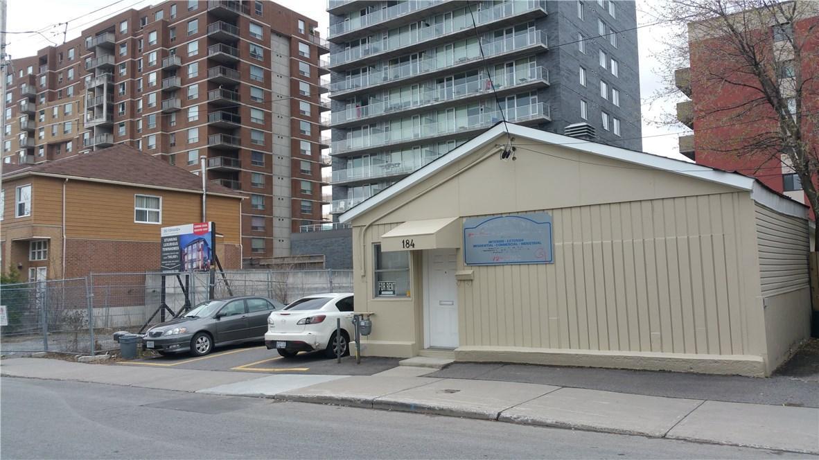 184 Forward Avenue, Ottawa, Ontario K1Y1L2