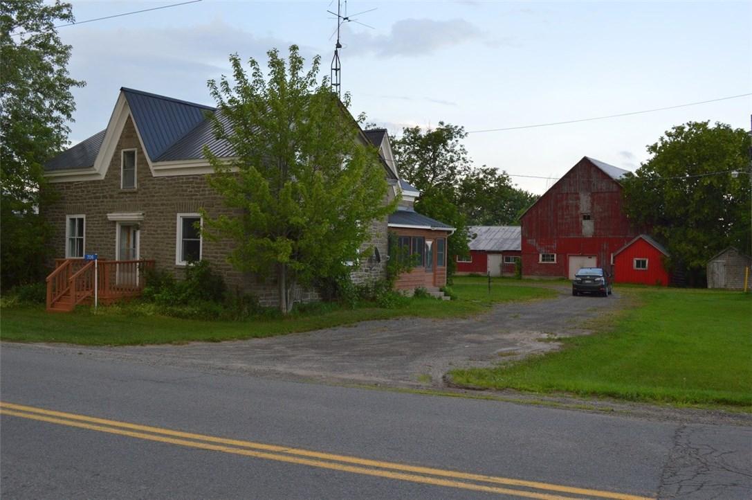 706 Slater Road, Kemptville, Ontario K0G1J0