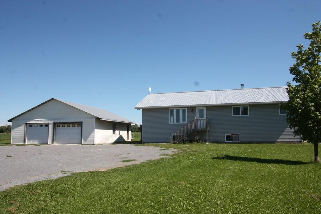 2992 12th Concession Road, Pakenham, Ontario K0A2X0