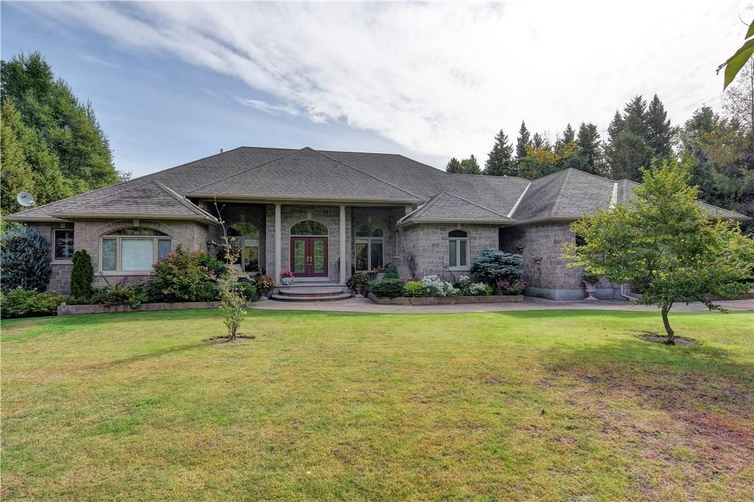 6036 Earlscourt Crescent, Manotick, Ontario K4M1K2
