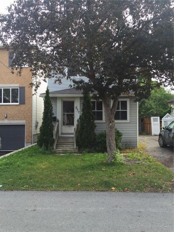 677 Melbourne Avenue, Ottawa, Ontario K2A1X4