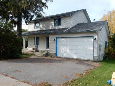 Photo of 449 Church Street, Russell, Ontario K4R1C9