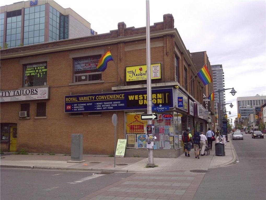 256 Bank Street, Ottawa, Ontario K2P1X4