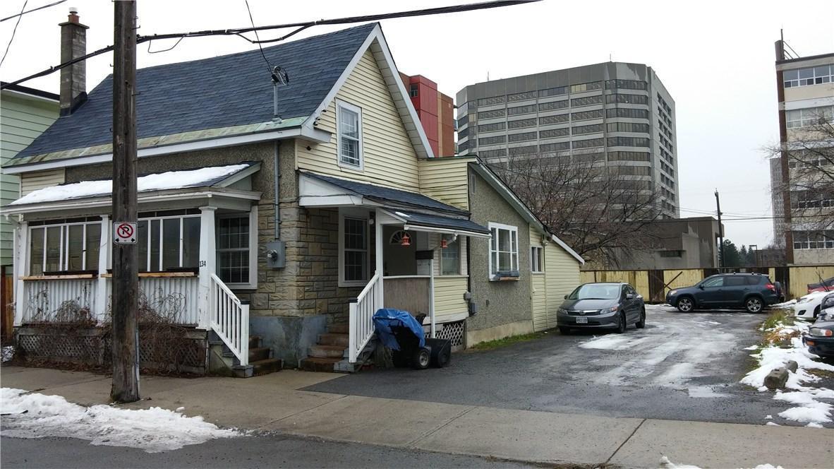 134 Forward Avenue W, Ottawa, Ontario K1Y1K9