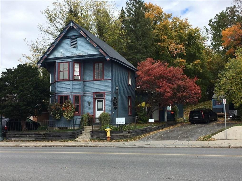 5559 Manotick Main Street, Manotick, Ontario K4M0A1
