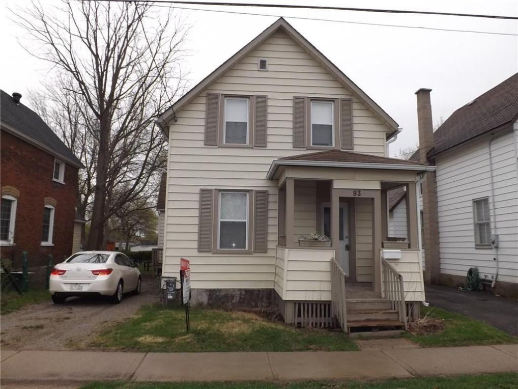 93 William Street E, Smiths Falls, Ontario K7A1E3