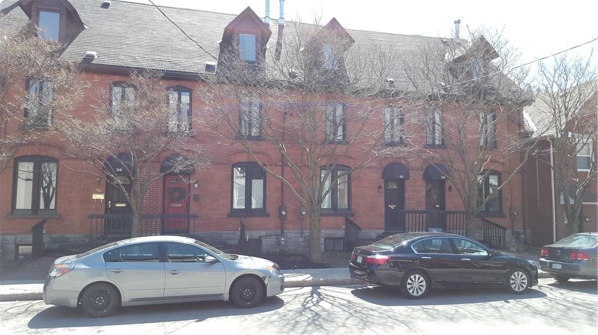 90 Stewart Street, Ottawa, Ontario K1N6J1