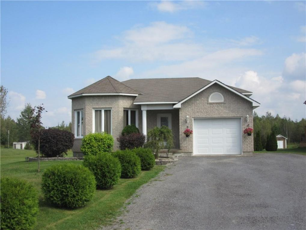 45 Beaver Lane Road, Limoges, Ontario K0A2M0