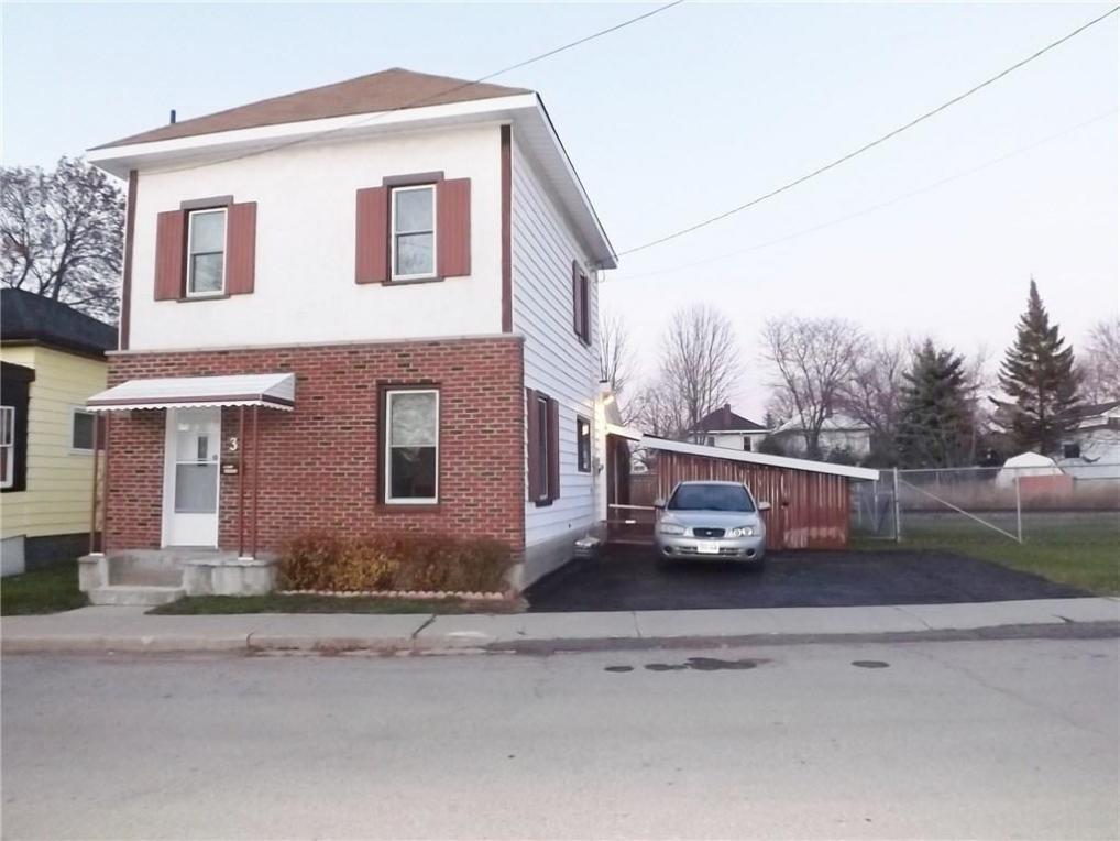 3 Winnifred Street, Smiths Falls, Ontario K7A2M7