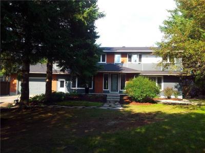 Photo of 17 Stephanie Avenue, Ottawa, Ontario K2E7A8