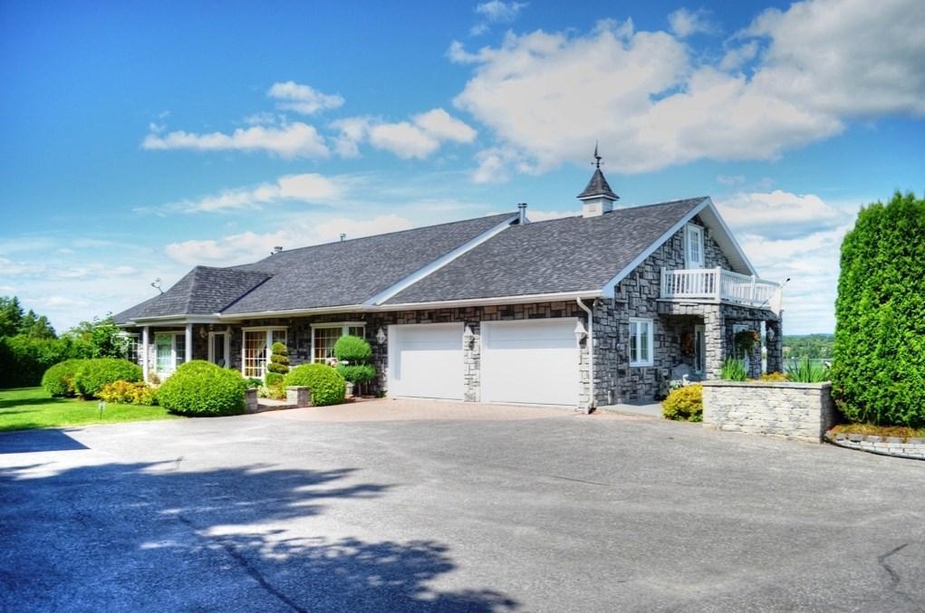 205 Front Road, Hawkesbury, Ontario K6A2T1