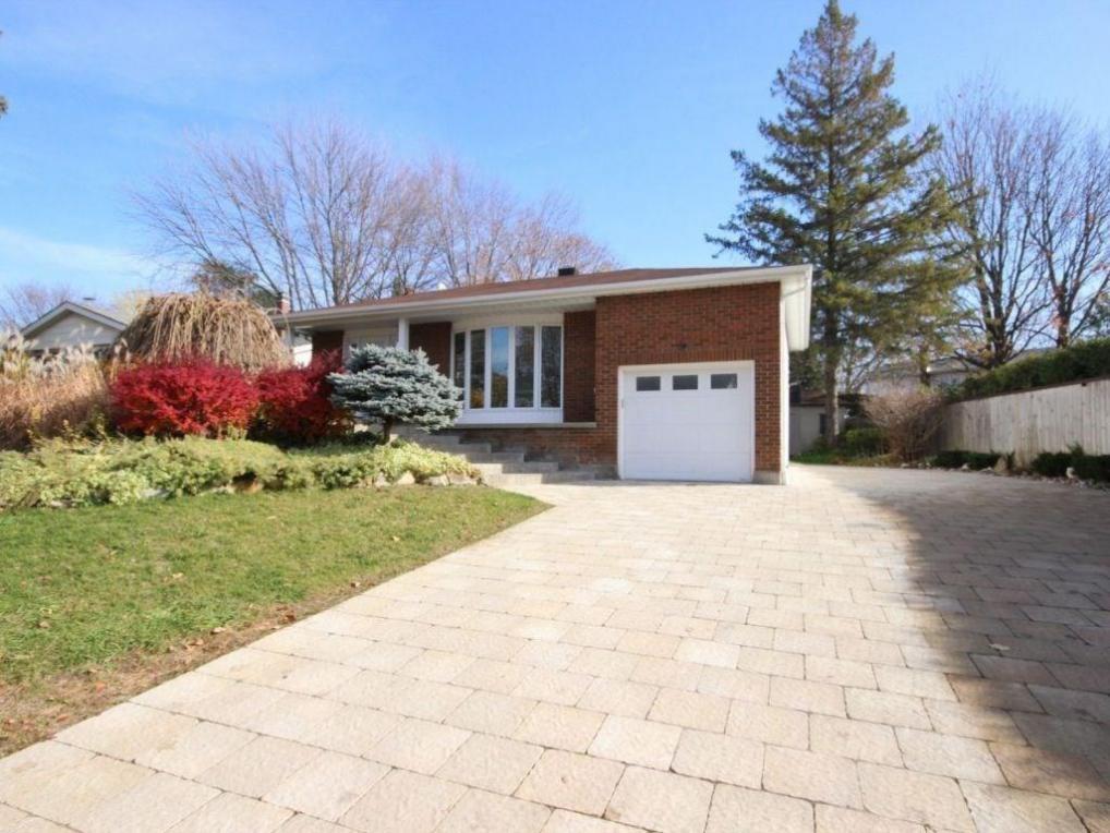 3 Parkwood Crescent, Ottawa, Ontario K1B3J5