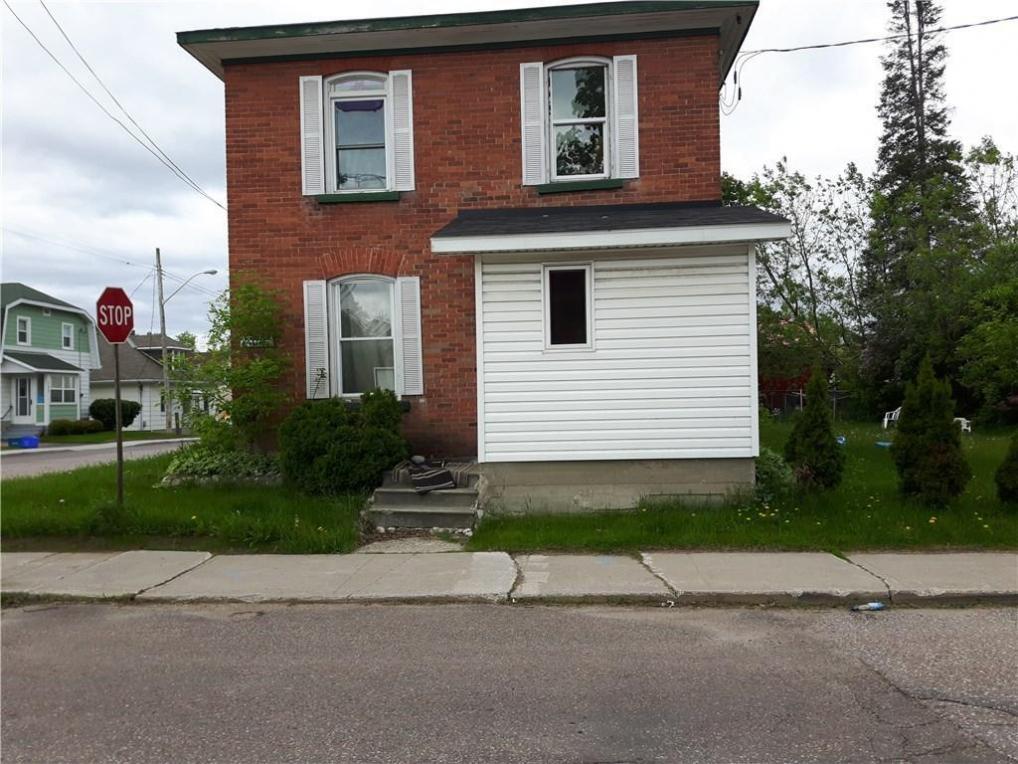 6 Bonnechere Street, Renfrew, Ontario K7V2S2