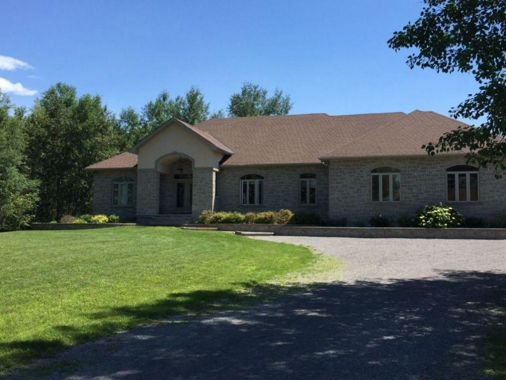 136 Country Carriage Way, Carp, Ontario K0A1L0