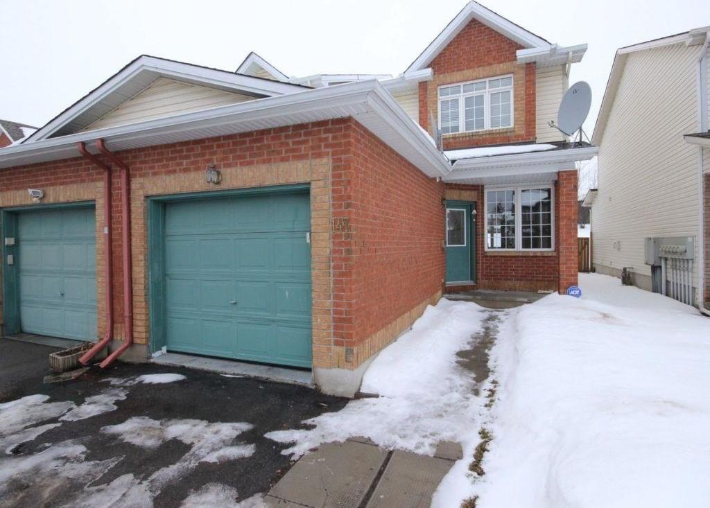 147 Duntroon Circle, Ottawa, Ontario K1T4C7