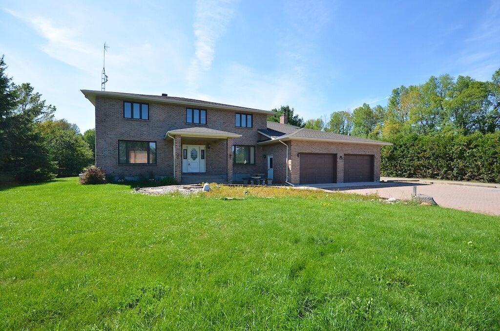 5792 Rideau Valley Drive, Manotick, Ontario K4M1B3