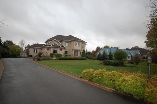 1031 Tomkins Farm Crescent, Ottawa, Ontario K4P1M5