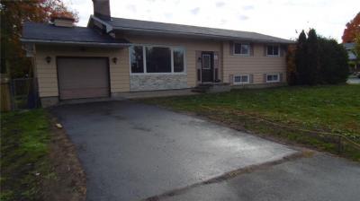Photo of 63 Ridgefield Crescent, Ottawa, Ontario K2H6S6