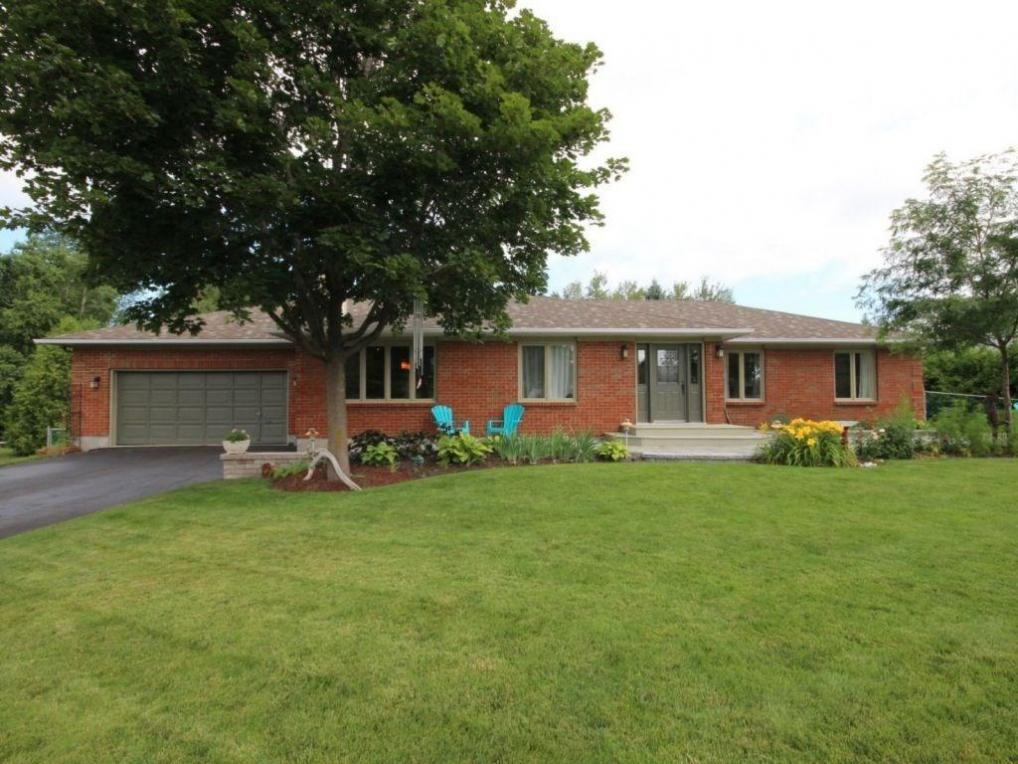 6579 Greely West Drive, Greely, Ontario K4P1E6