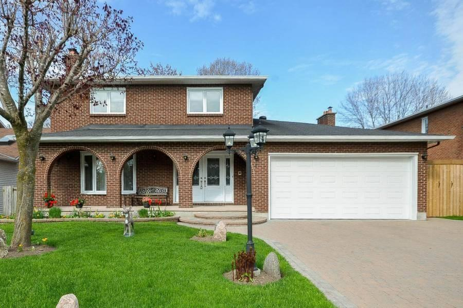 4 Parmalea Crescent, Ottawa, Ontario K2E7J3