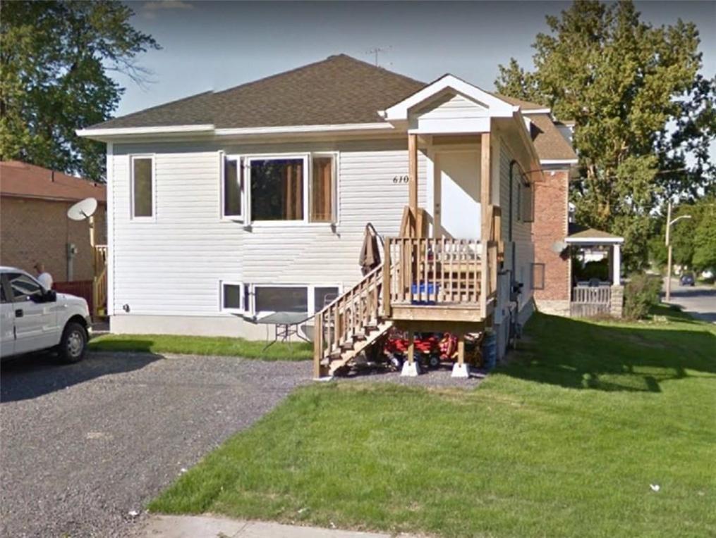 610 St. Lawrence Street, Prescott, Ontario K0E1T0