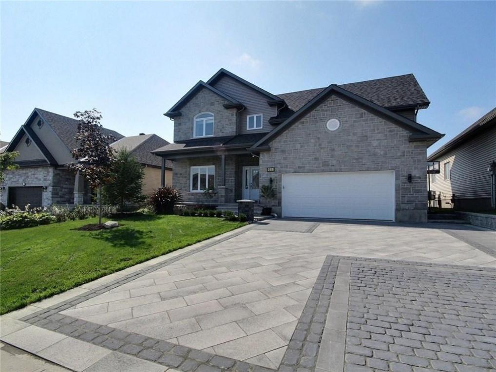 249 Sterling Avenue, Rockland, Ontario K4K1P6