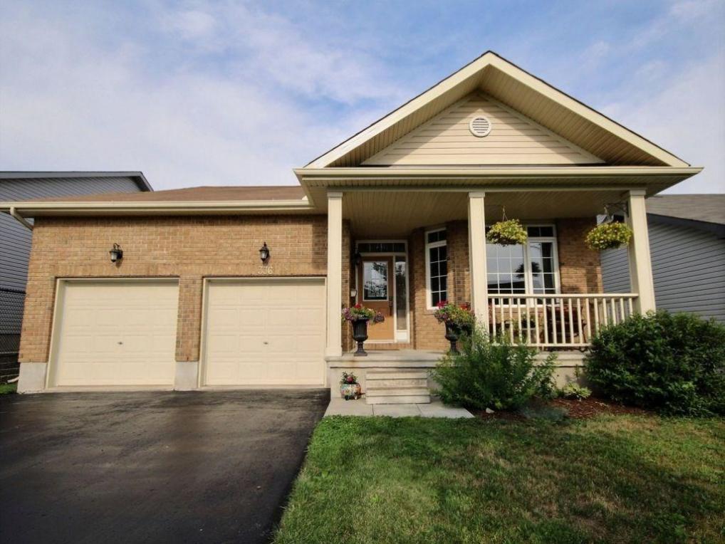336 Quartz Avenue, Rockland, Ontario K4K0A2