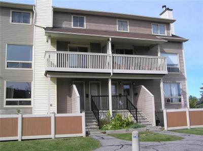 Photo of 758 St Andre Drive Unit#82b, Ottawa, Ontario K1C4S5
