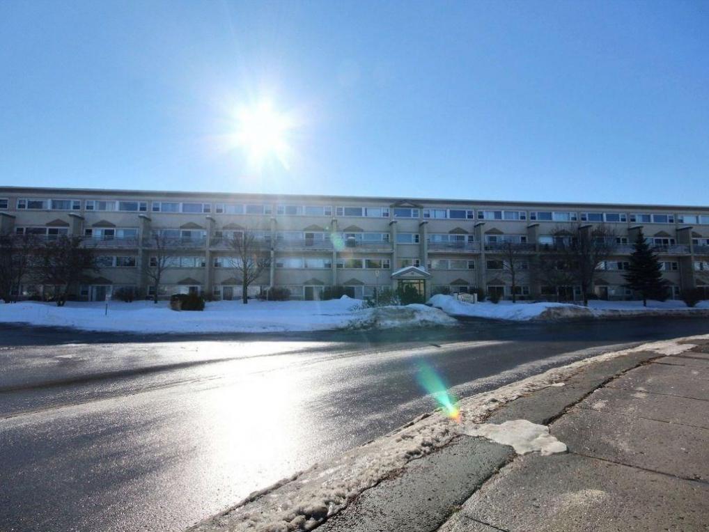 12 Corkstown Road Unit#110, Ottawa, Ontario K2H5B3