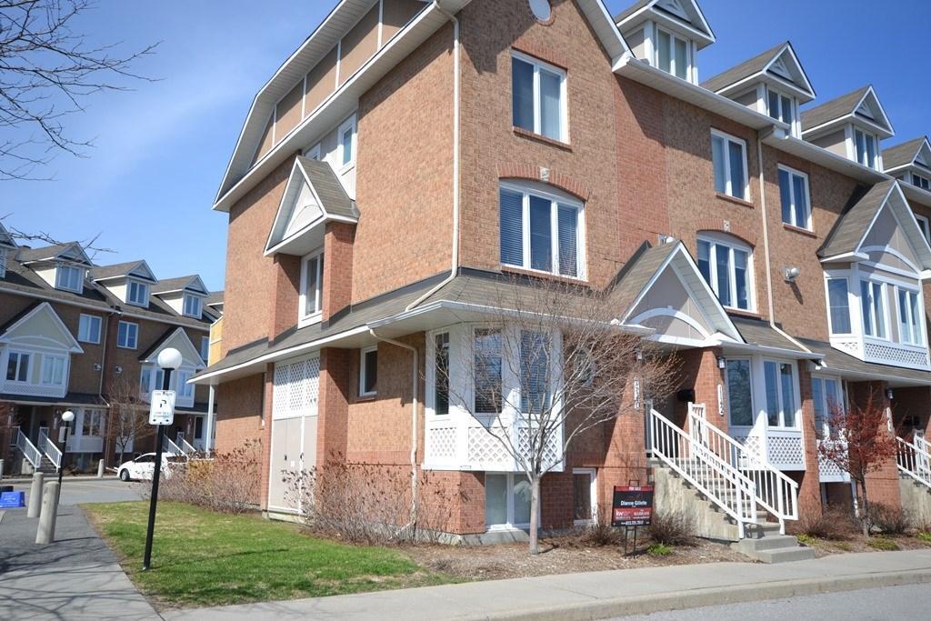 1140 Gablefield Private, Ottawa, Ontario K1J1E3