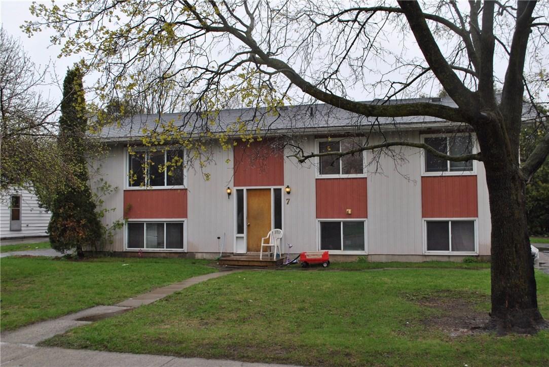 7 Leeds Street, Smiths Falls, Ontario K7A2M6